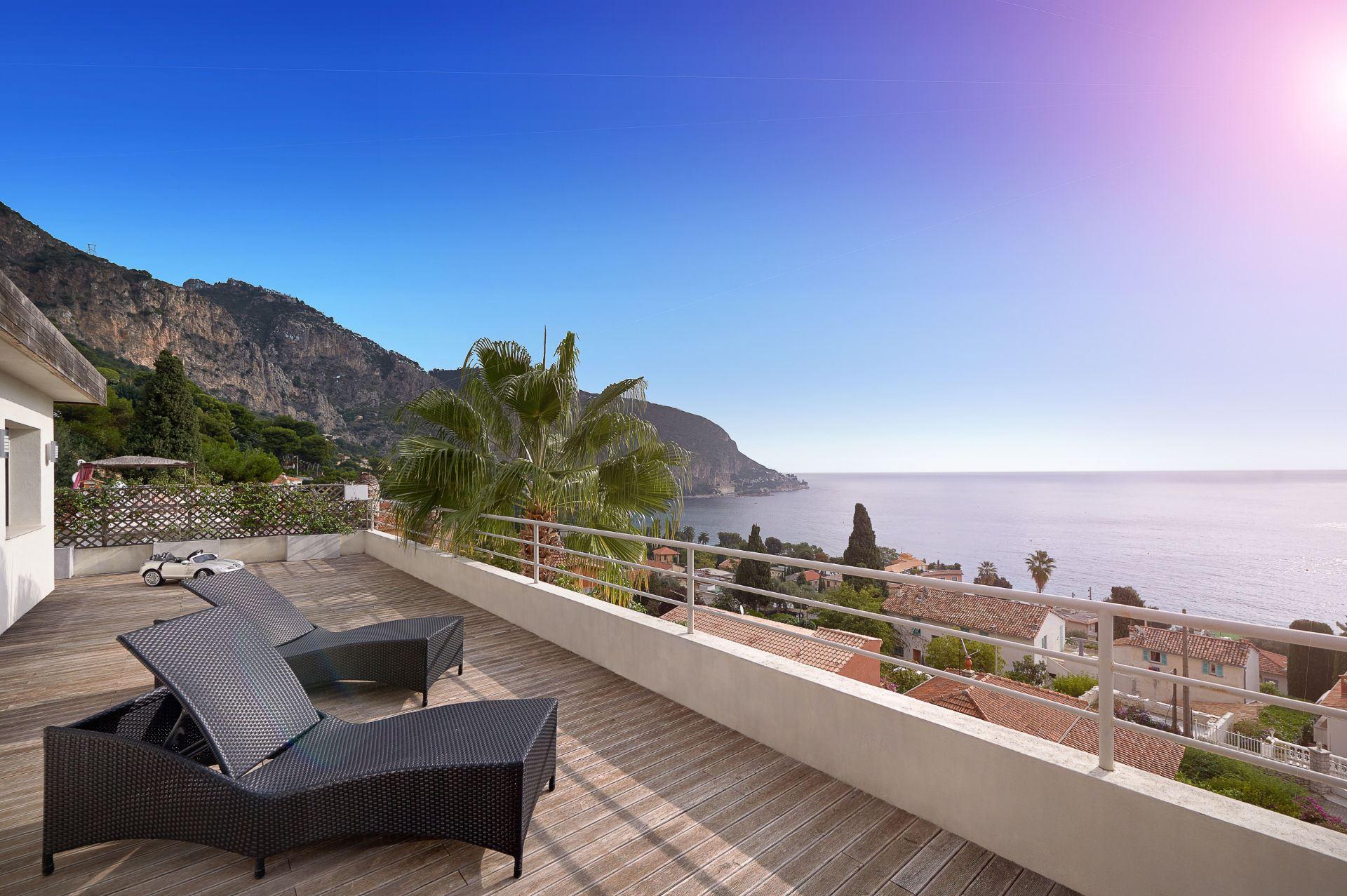 Einfamilienhaus für Verkauf beim Stunning modern luxury villa with panoramic sea views Eze, Provence-Alpes-Cote D'Azur 06360 Frankreich